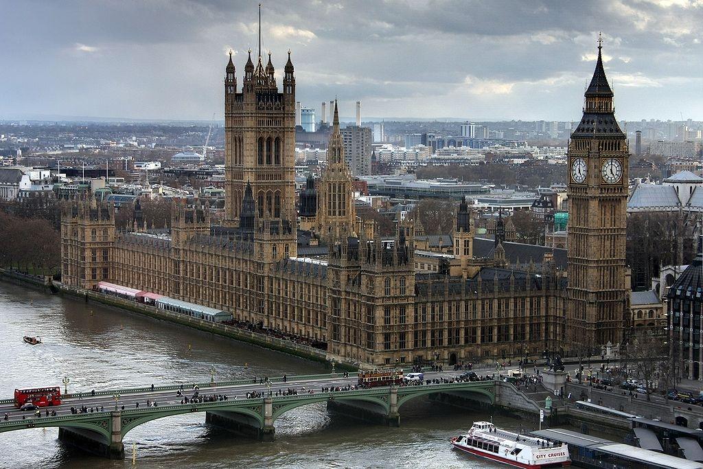 Magyar cirkuszművészet a Westminsterben: Fekete Péter miniszteri biztos felszólalása az angol parlamentben