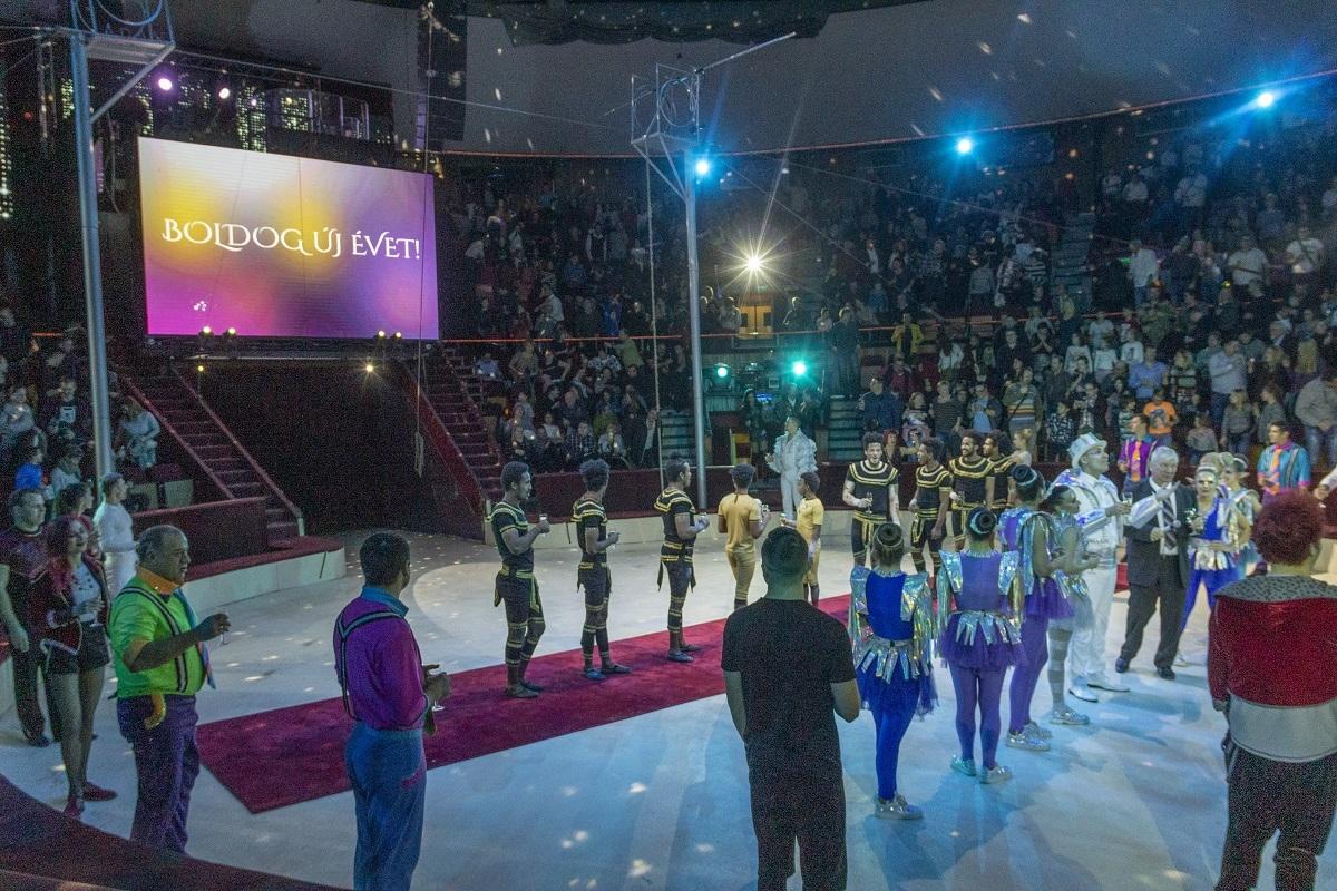Egy felejthetetlen szilveszteri előadással búcsúzott a Szikramanók – Karácsonyi kaland a cirkuszban!