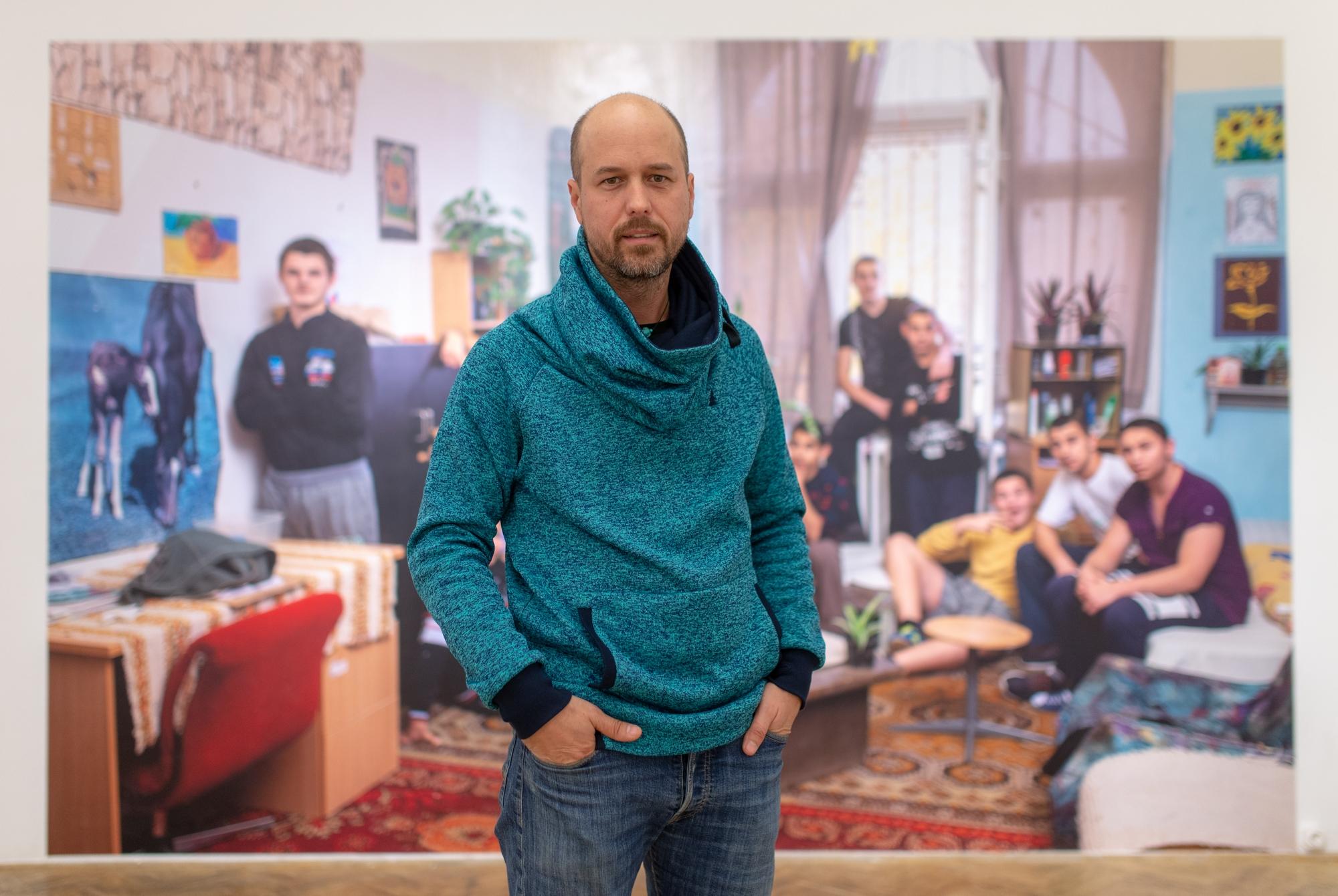 """""""Rengeteg emberfeletti teljesítményt kaphatok lencsevégre, amik mindannyiunkat inspirálhatnak."""" – Interjú Urbán Ádám fotográfussal"""
