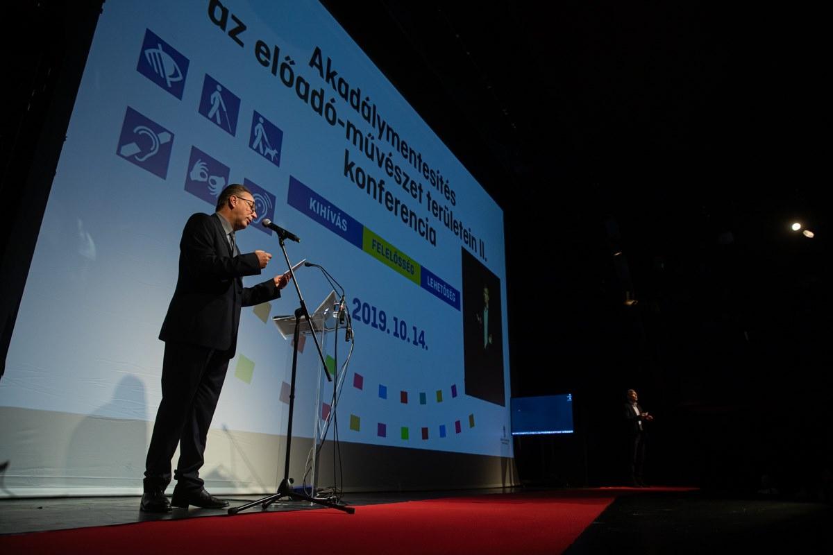 Bemutatkozott a Fővárosi Nagycirkusz programja az Akadálymentesítés az előadó-művészet területein elnevezésű konferencián
