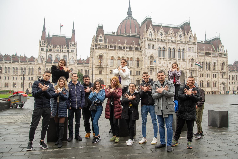 Alketa Haxiu, az Albán Nemzeti Cirkusz igazgatója és művészei szerdán Budapesten jártak