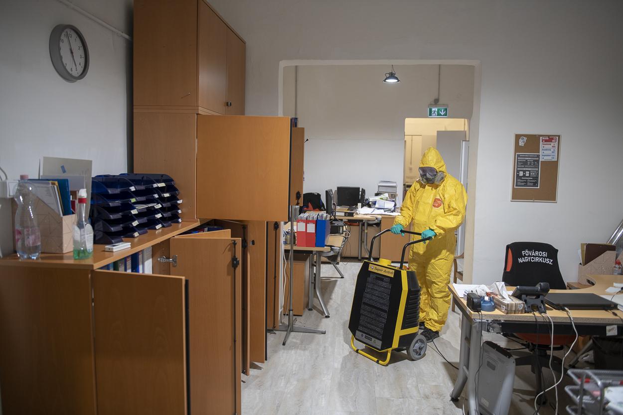 Ózonos fertőtlenítést végeztek szerda délután a Fővárosi Nagycirkuszban