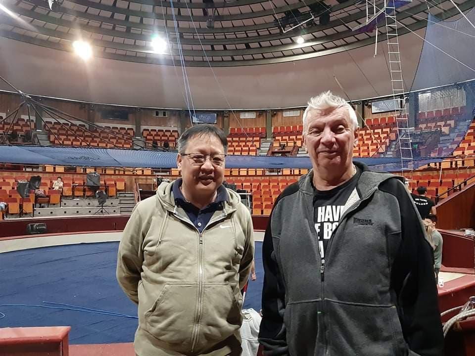 Mongol-magyar cirkuszi barátság