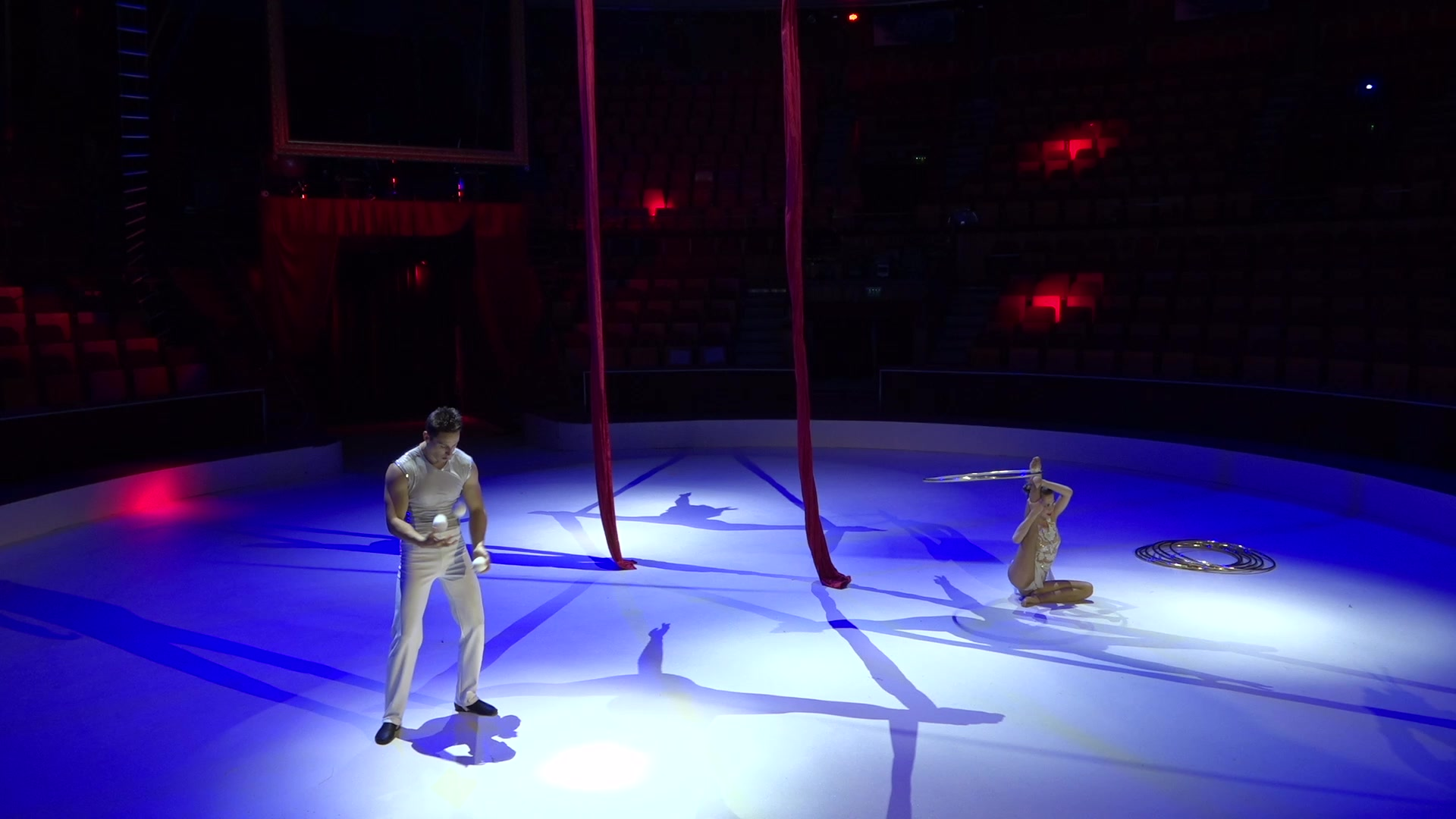 Meglepetéselőadásokkal búcsúzott a Cirkusz+!