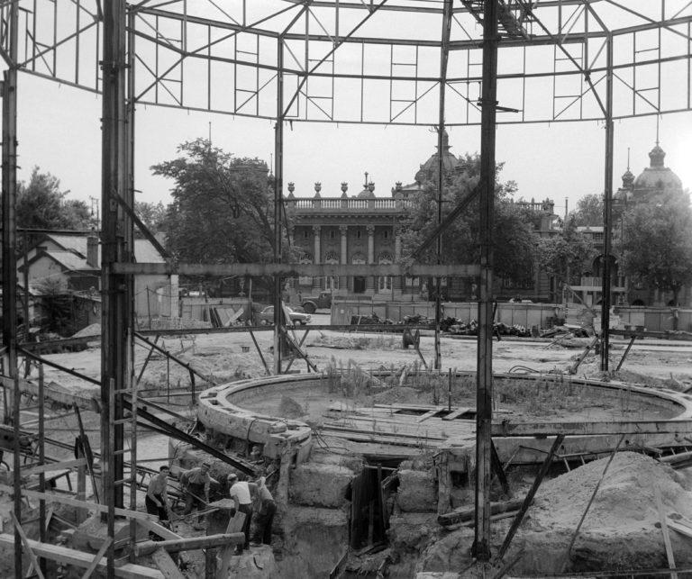 Építkezés - A Fõvárosi Nagycirkusz építése