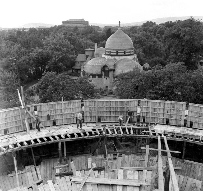 Építõipar - Épül az új Cirkusz Palota
