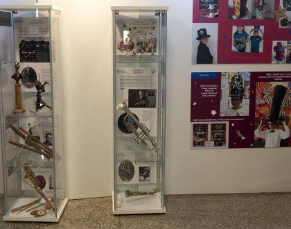 Új műtárgyakkal és gyermekeknek szóló interaktív tablókkal gyarapodott a Fővárosi Nagycirkusz közönségforgalmi tereiben látható cirkusztörténeti kiállítás.