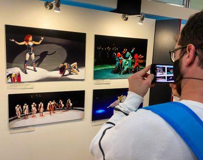 Autisták fotóiból nyílt kiállítás a Fővárosi Nagycirkuszban