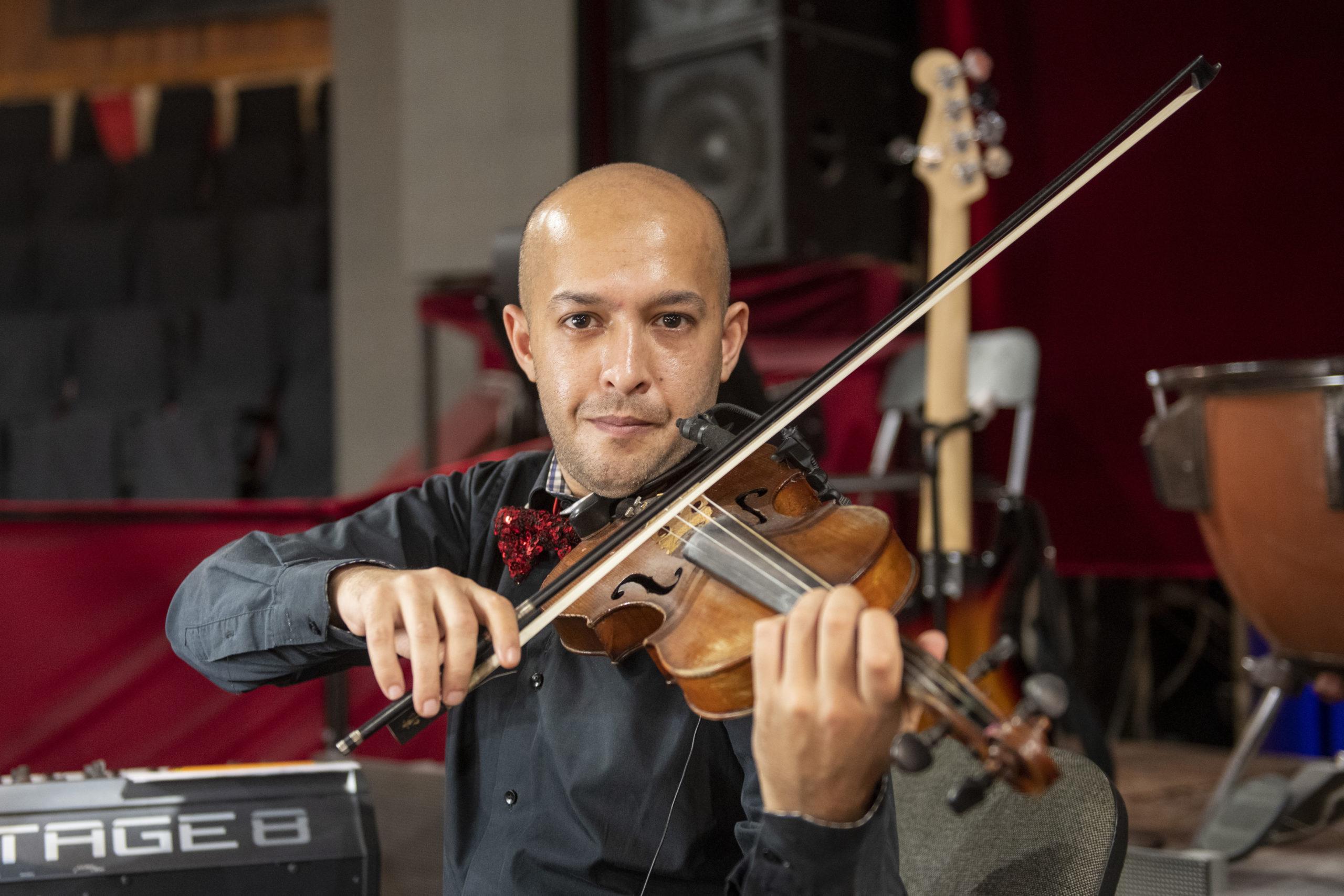Csodagyerekként tartották számon a Fővárosi Nagycirkusz új hegedűművészét