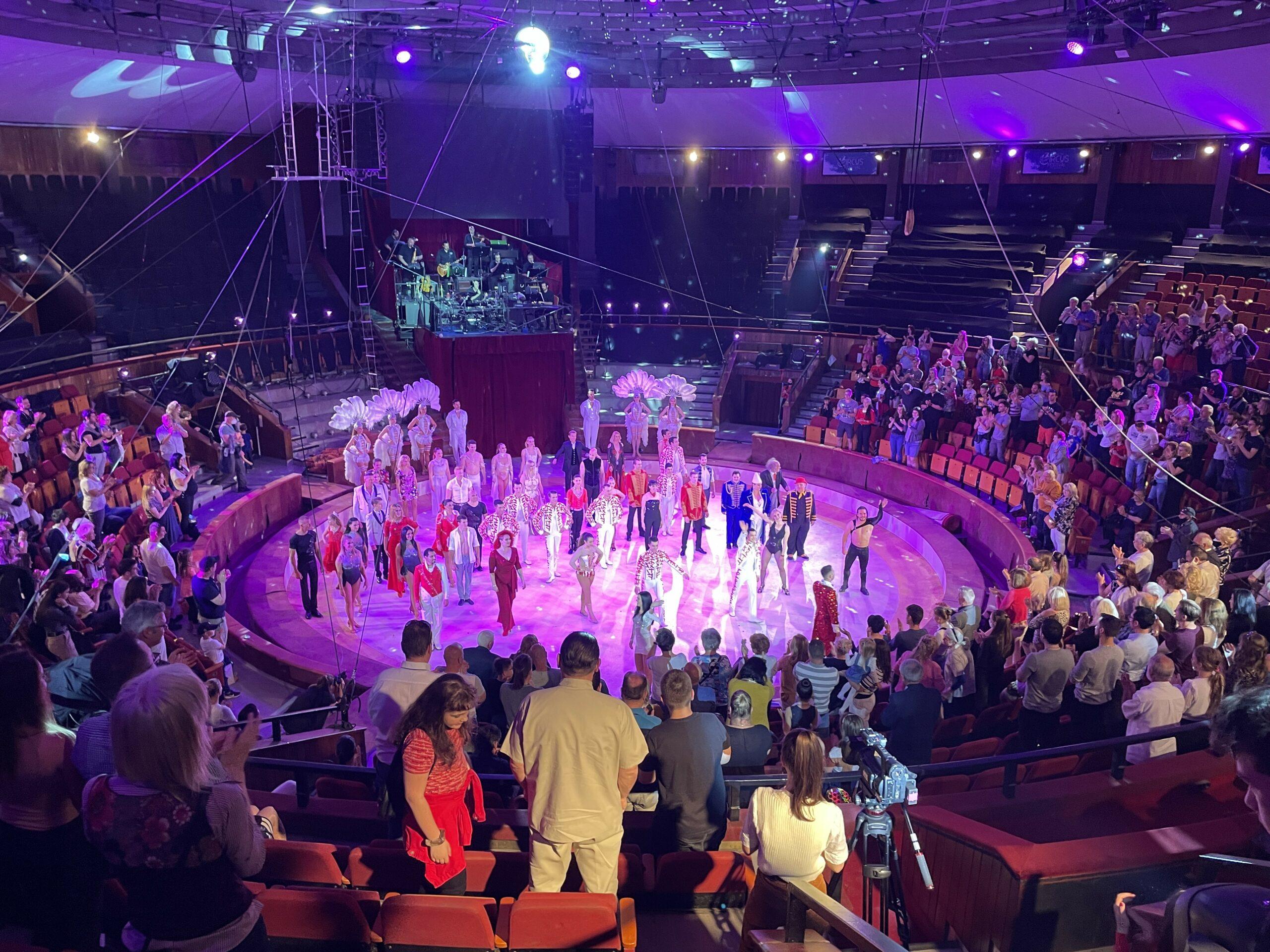 Álló vastapssal hálálta meg a közönség a Fővárosi Nagycirkusz premier előadását