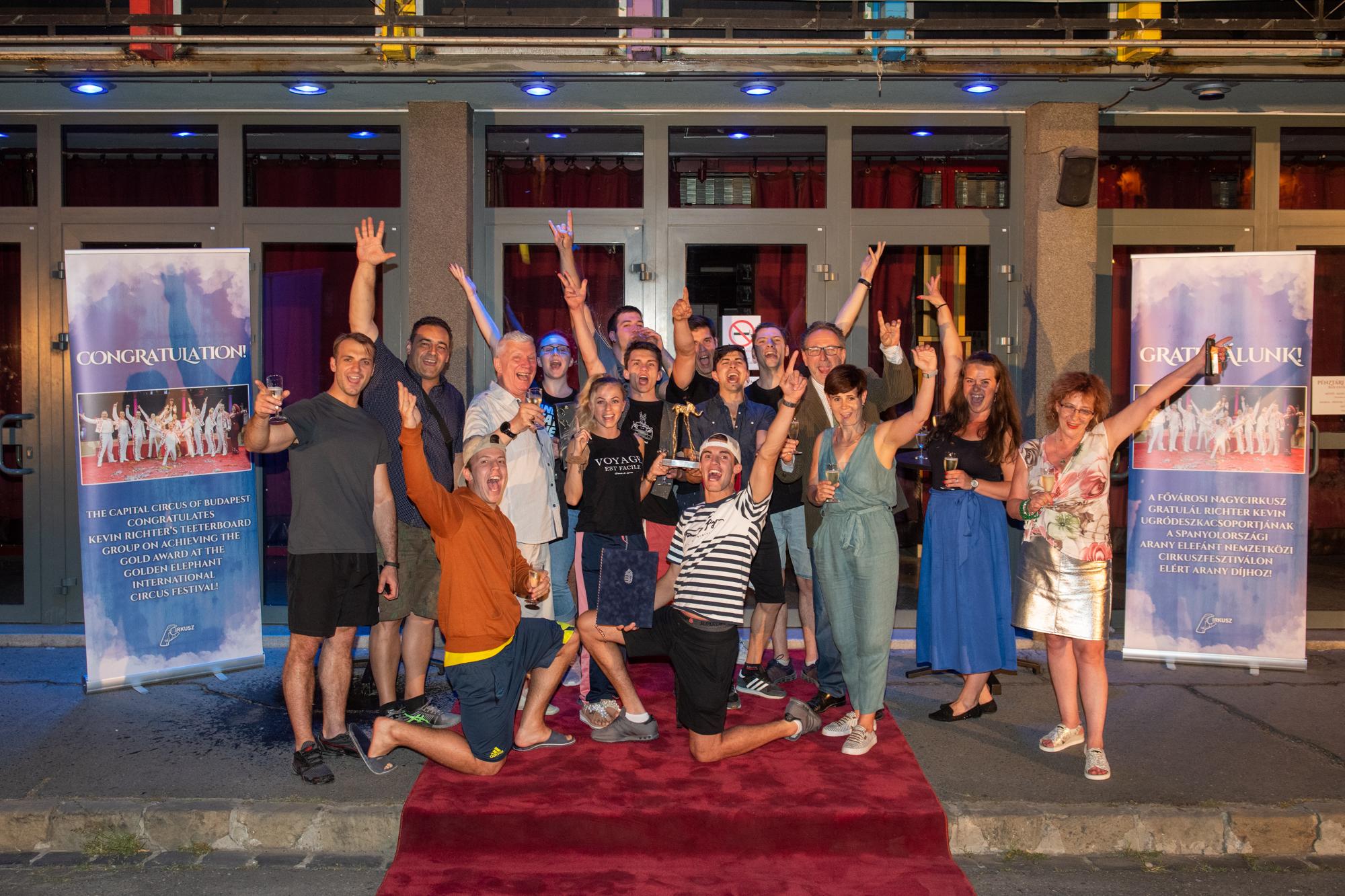 Arany-díjat nyert a Richter Kevin ugródeszka csoport a Gironai Nemzetközi Cirkuszfesztiválon