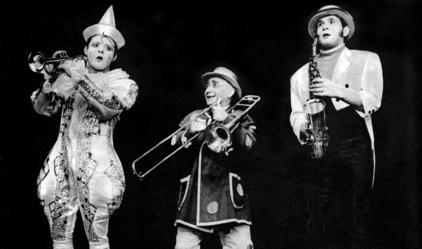 Aki a manézsban sosem ismert tréfát – Eötvös Gábor zenebohócot köszöntjük, aki ma lenne 100 éves