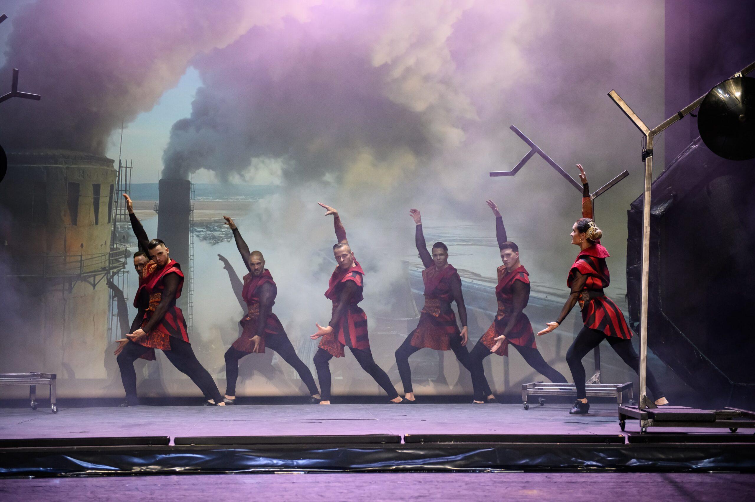 A Fővárosi Nagycirkuszban szeptember 18-án és 19-én bemutatásra kerülő produkcióban látványosan jelenik meg a négy elem.