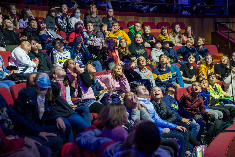 Játszva tanulni a cirkuszművészet segítségével – Sikerrel fut a Lázár Ervin Programban részt vevő diákok számára készült Cirkománia című műsor