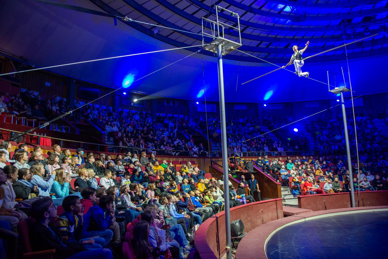 A Lázár Ervin Programban részt vevő hatodik osztályos tanulók a cirkuszművészeti zsánerek által könnyebben megérthetik az iskolában tanultakat.